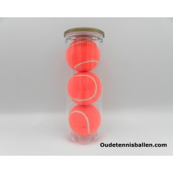 Tennis balls colors - orange