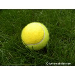 Extra gele tennisbal